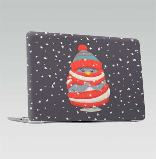 Наклейка на Ноутбук Macbook Pro 2016-2018 – Macbook Pro Touch Bar Пингвин в шарфе и шапке,  купить в Москве – интернет-магазин Allskins, новый год, зима, лес, пингвин, снег, шапка, шарф, замерз