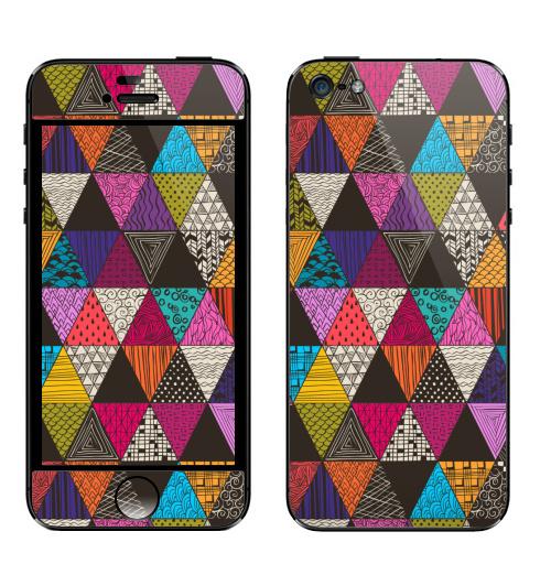 Наклейка на Телефон Apple iPhone 5 Пестрые треугольники,  купить в Москве – интернет-магазин Allskins, рисунки, роспись, яркий, треугольники, паттерн, узор, графика, абстрактные